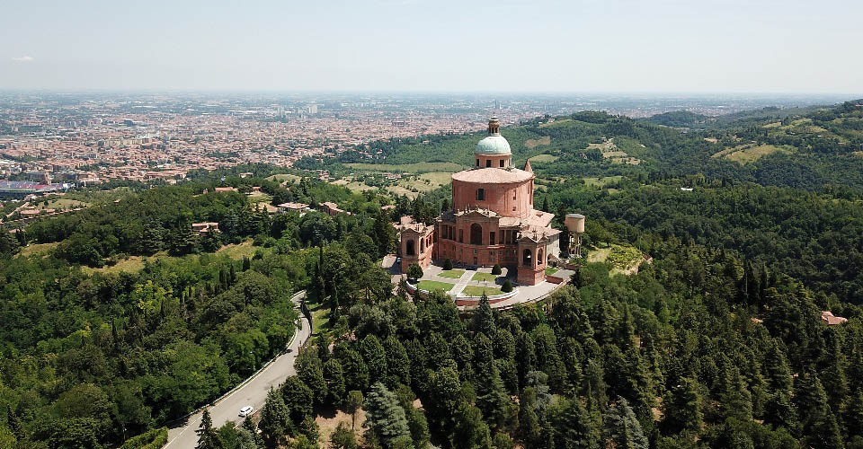 Image Description for http://80.88.88.181:8888/gpsviaggi/gpsviaggi/packages_photos/444/Basilica-San-Luca-2.jpg