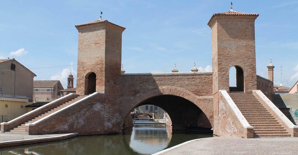 Image Description for http://80.88.88.181:8888/gpsviaggi/gpsviaggi/packages_photos/446/Comacchio-Trepponti-1.jpg