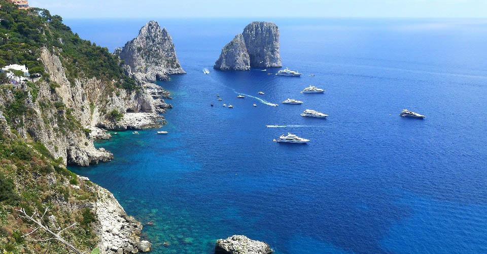 Image Description for http://80.88.88.181:8888/gpsviaggi/gpsviaggi/packages_photos/467/Capri-faraglioni-1.jpg