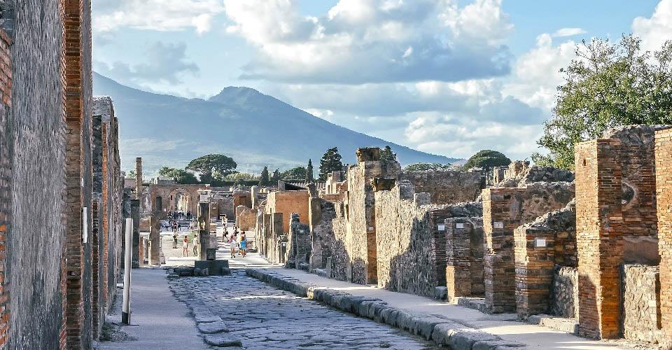 Image Description for http://80.88.88.181:8888/gpsviaggi/gpsviaggi/packages_photos/467/Pompei-2.jpg