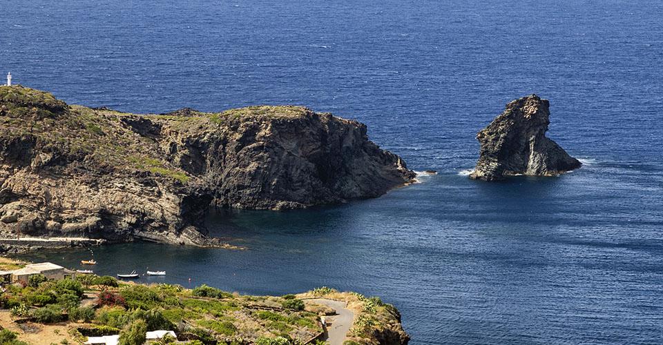Image Description for http://80.88.88.181:8888/gpsviaggi/gpsviaggi/packages_photos/478/Pantelleria-2.jpg
