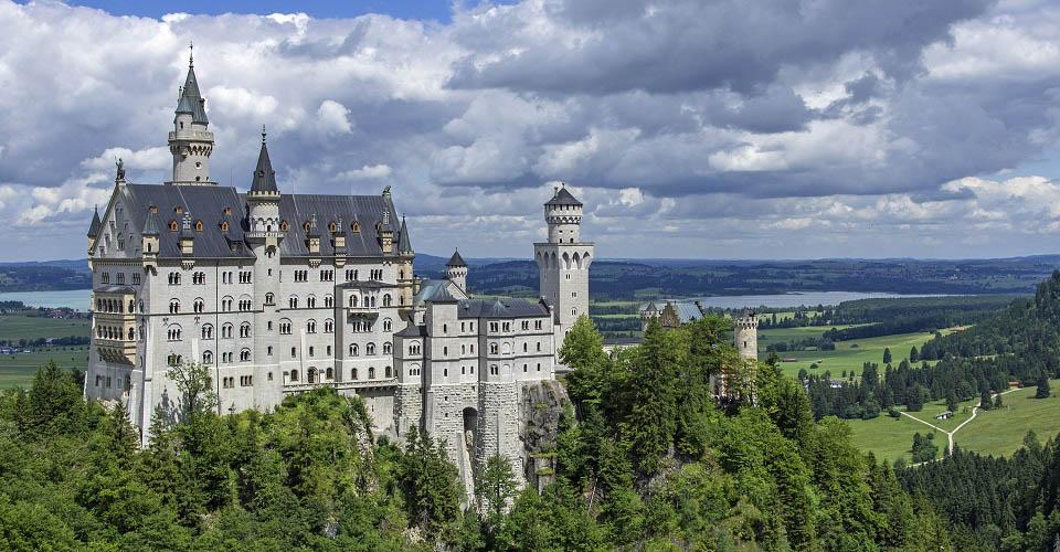 Image Description for http://80.88.88.181:8888/gpsviaggi/gpsviaggi/packages_photos/504/Castello-Neuschwanstein-1.jpg