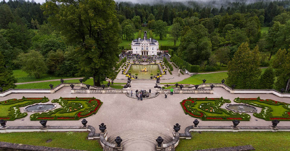 Image Description for http://80.88.88.181:8888/gpsviaggi/gpsviaggi/packages_photos/504/Palazzo-Linderhof-1.jpg