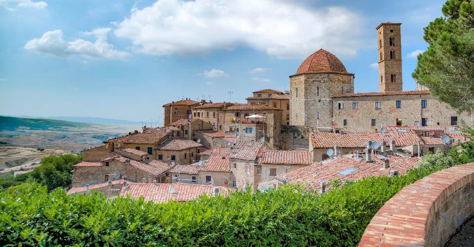 Image Description for http://80.88.88.181:8888/gpsviaggi/gpsviaggi/packages_photos/561/Volterra-1.jpg