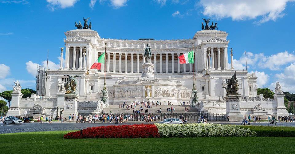 Image Description for http://80.88.88.181:8888/gpsviaggi/gpsviaggi/packages_photos/635/Roma-Altare-della-Patria-1.jpg