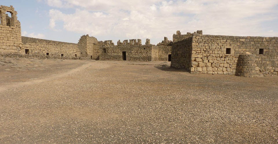 Image Description for http://80.88.88.181:8888/gpsviaggi/gpsviaggi/packages_photos/739/Forte-Azraq-1.jpg