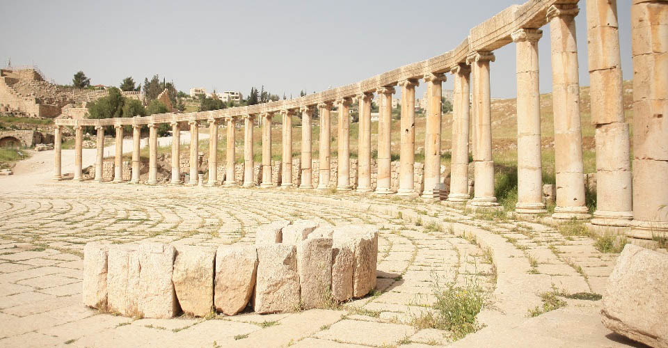 Image Description for http://80.88.88.181:8888/gpsviaggi/gpsviaggi/packages_photos/739/Jerash-5.jpg