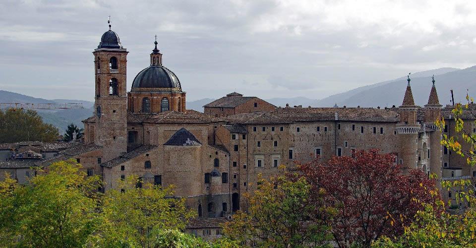Image Description for http://80.88.88.181:8888/gpsviaggi/gpsviaggi/packages_photos/815/Urbino-1.jpg