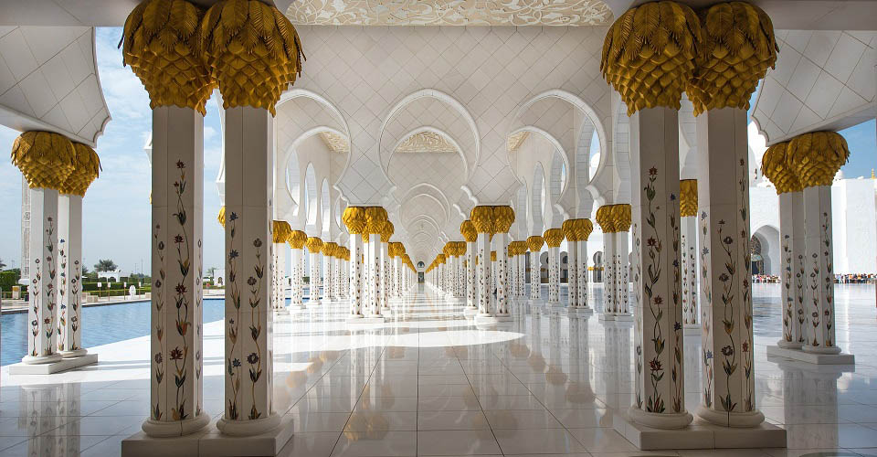 Image Description for http://80.88.88.181:8888/gpsviaggi/gpsviaggi/packages_photos/825/Abu-Dhabi-Moschea-1.jpg
