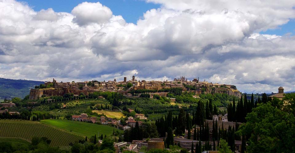 Image Description for http://80.88.88.181:8888/gpsviaggi/gpsviaggi/packages_photos/859/Orvieto.jpg