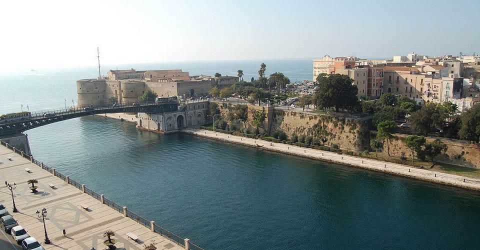 Image Description for http://80.88.88.181:8888/gpsviaggi/gpsviaggi/packages_photos/895/Taranto-1.jpg
