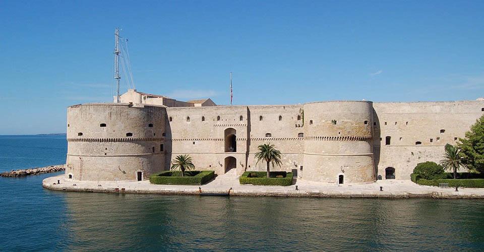 Image Description for http://80.88.88.181:8888/gpsviaggi/gpsviaggi/packages_photos/895/Taranto-2.jpg