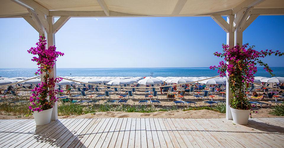 Image Description for http://80.88.88.181:8888/gpsviaggi/gpsviaggi/packages_photos/895/Tichos-spiaggia-1.jpg