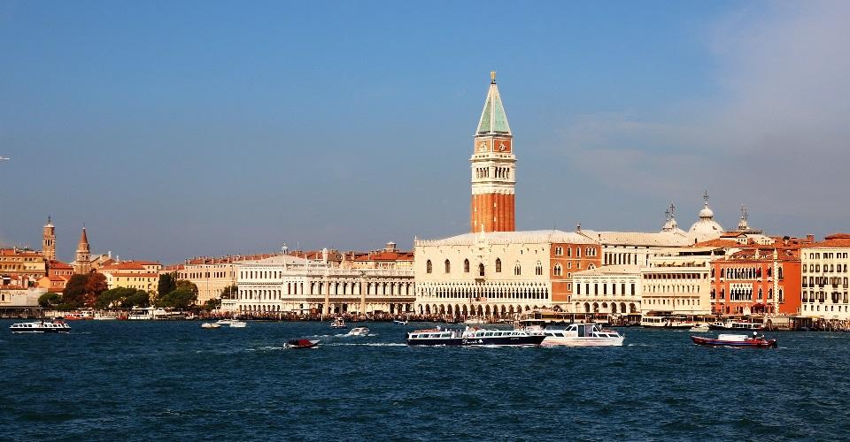 Image Description for http://80.88.88.181:8888/gpsviaggi/gpsviaggi/packages_photos/908/Venezia-2.jpg